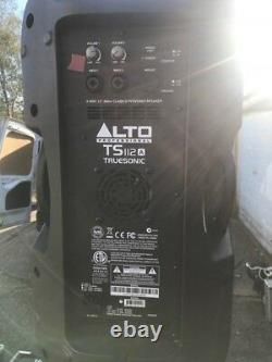 Full Band/disco P A System, Mackie Pro Fx, Alto Trusonic Top/bass Cabs, 3 Micros